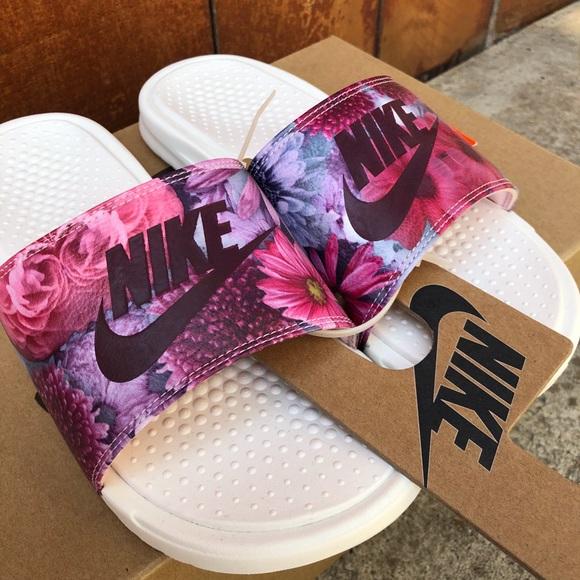 32ebffd45 Nike Floral Women s Slide Benassi Ultra Premium
